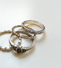 4 db-os gyűrűcsomag ( ezüst színű, köves )