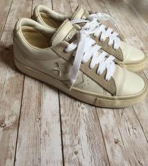 36os bőr Converse cipő