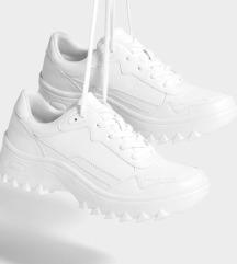 Berska sportcipő |39|