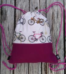 egyedi biciklis háti