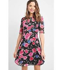 Virágos drapírozott ruha