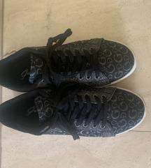 Eredeti 37-es Guess cipő
