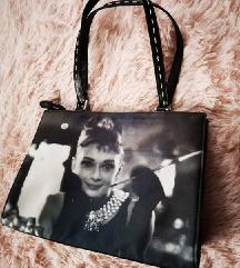 Audrey Hepburn-ös táska, közepes méret 1300 Ft