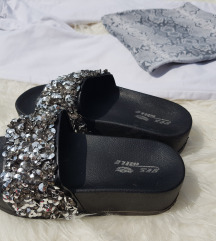 Kőves platformos papucs