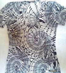 S-es, fekete-fehér mintás póló