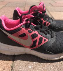 Nike lányka cipő eladó