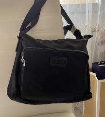 Új Guess fekete női táska