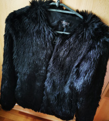 Puha csillogó fekete bunda