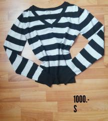 Fekete - fehér csíkos pulcsi