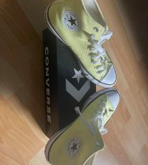 Eladó új 41-es férfi Converse cipő.