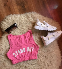 STAND OUT mell alatti crop