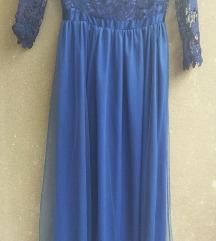 Kék csipkés tüllruhák