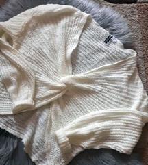Csavart elejű pulcsi