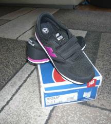 ÚJ 35,5-es New Balance cipő