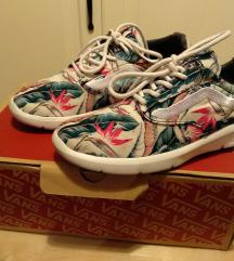 37-es Vans női cipő
