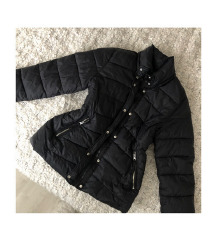 LEÁRAZVA! BERSHKA fekete pufi kabát