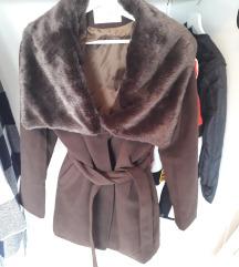 Eladó sötétbarna M-es szőrmés  kabát