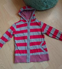 Szürke-piros csíkos pulcsi