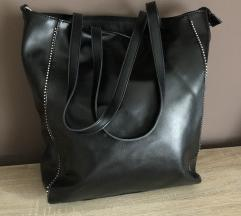 Fekete nagy alakú táskák eladóak