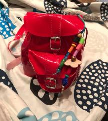 Piros lakk kistáska