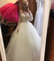 Menyasszonyi ruha + abroncs
