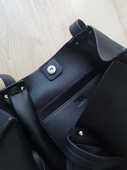 Fekete pakolós Zara táska