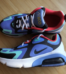 Uj Nike Air 200-as