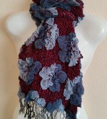 Vastag, meleg, virágos női sál – kék- pink