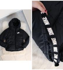 Eredeti Nike női fekete téli kabát