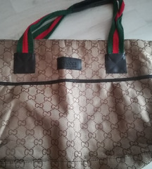 Gucci pakolós táska