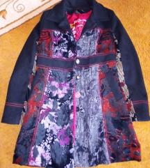 Desigual szerű átmenti kabát