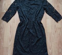 Csipkés fekete ruha M