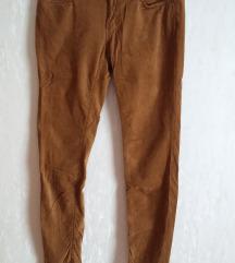 • Bársonyos barna nadrág •