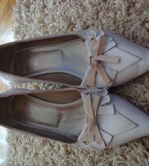 Hegyes törtfehér magassarkú női bőr félcipő 38