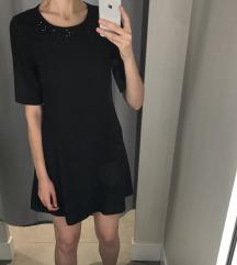 Fekete ruha gyöngyökkel