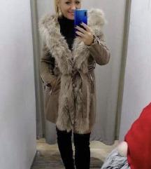 Bézs prémes kabát új!