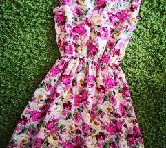 Nyári virágmintás ruha