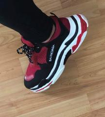 Balenciaga triple s replika