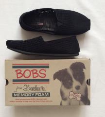 Jó állapotú, memóriahabos Skechers loafer.