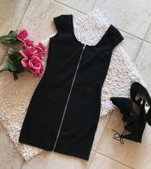 elől cipzáros fekete ruha