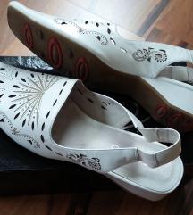 Fehér bőr nyitott cipő