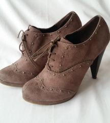 39-es/40-es méretű magassarkú bokacsizma, cipő
