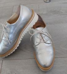 Humanic-os oxford cipő