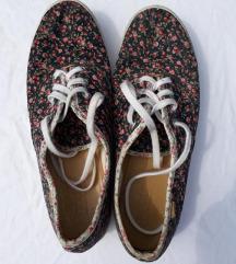 virágos cipő