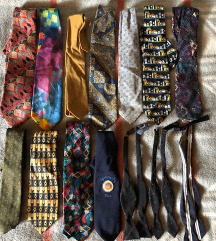 11 db nyakkendő + 3 db csokornyakkendő