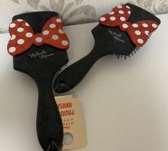 Minnie mouse fésű!