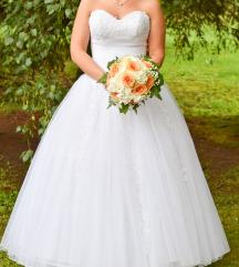Pánt nélküli menyasszonyi ruha