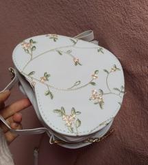 Fehér vintage szív táska