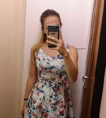 Virágmintás csinos ruha