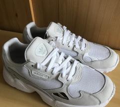 Eredeti Adidas Falcon cipő (szállítással)
